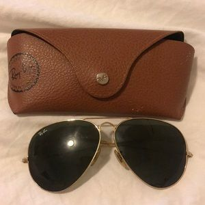 Large Ray Ban Aviators with case